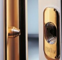 Effektive Verstärkung: Tresorbolzen stabilisieren die Bandseite gegen Druck- und Hebelwirkung.